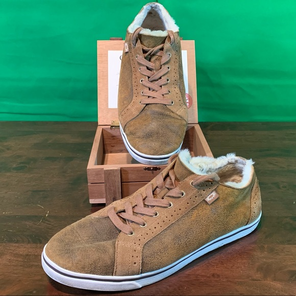 8388b5e5fc8 Ugg Roxford Twin Face Bomber Jacket Sneakers